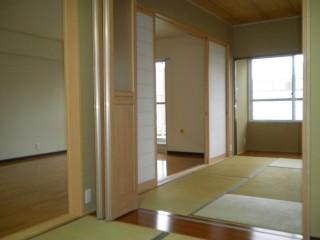 和室2部屋を間仕切り折戸でオープンスペースへ