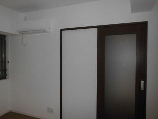 洋室前  入口開き戸⇒引戸交換(2)