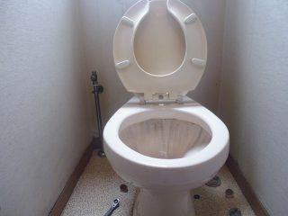 トイレ_前